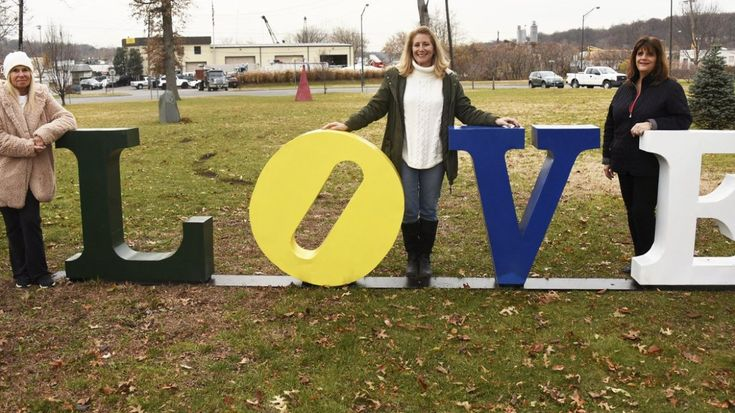 Longtime Glen Cove resident donates 22 sculptures to city