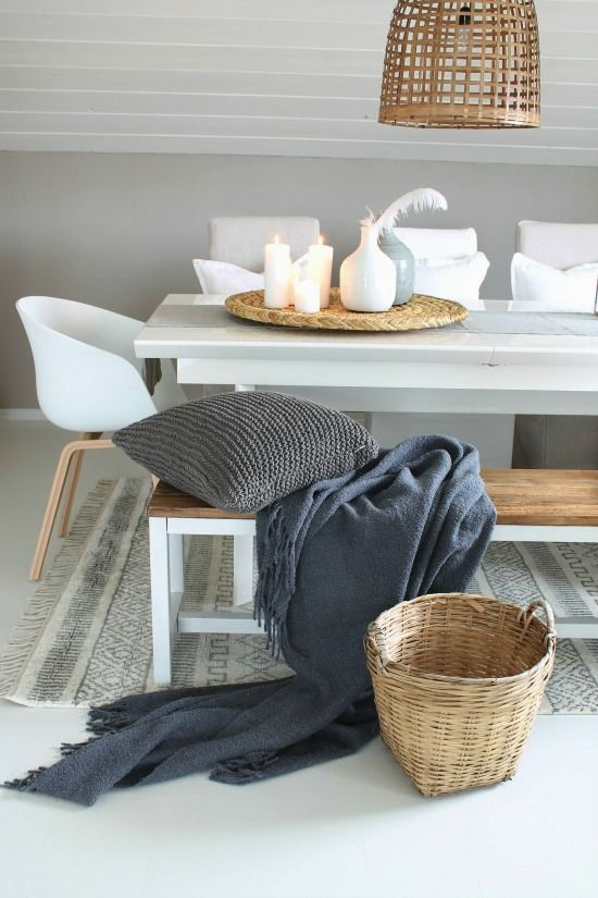 Dining. Decoration. Grey plaid. Eetkamer. Decoratie. Kaarsen.