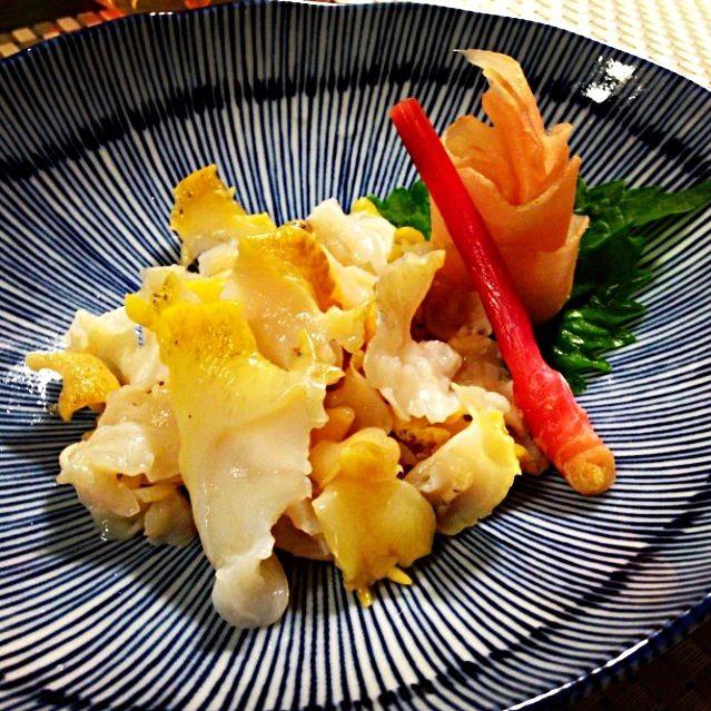 生つぶ貝(╭☞΄◞ิ◟ิ‵)╭☞ ゲッツ‼ スーパーサンライズの鮮魚部、マジで最高‼ 下ごしらえのレシピ書いておきます(笑) - 60件のもぐもぐ - 北海道産 つぶ貝刺 Tsubugai (whelk) sashimi by ま公