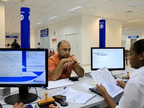 Detran.SP oferece consulta de débitos e restrições +http://brml.co/1IXTNcK