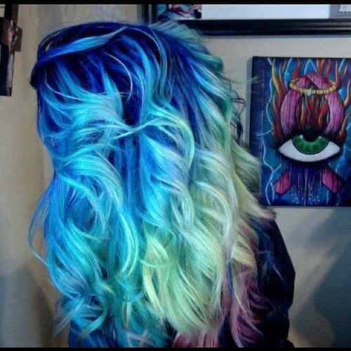 http://intenseextensions.tumblr.com/post/26739745736/as-requested-my-old-rainbow-hair-coloring