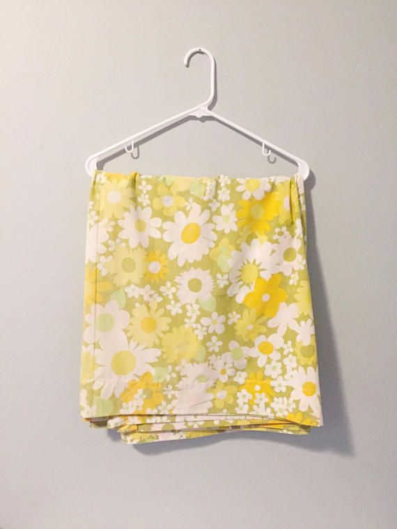 Vintage 1960 S 1970 S Daisy Floral Print Shower Retro Shower