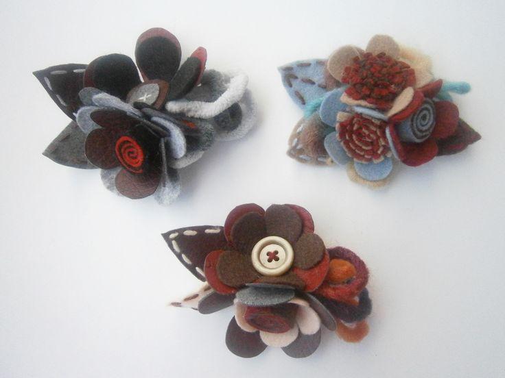 brooches-Dark felt flowers