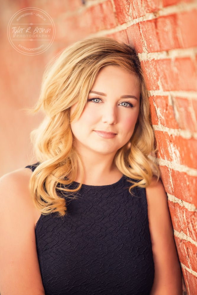 Raven Donner - Frisco High School - Senior Portraits - Class of 2016 - Senior Pictures - Downtown Prosper - #seniorpics - Ideas for Girls - Fall - Stunning - #seniorportraits - Brick - Tyler R. Brown Photography