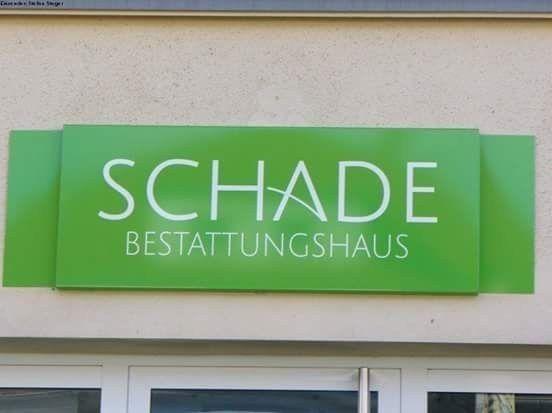 Beim Geschäft benennen Humor haben.   32 Dinge, in denen Deutschland noch besser ist als Biertrinken