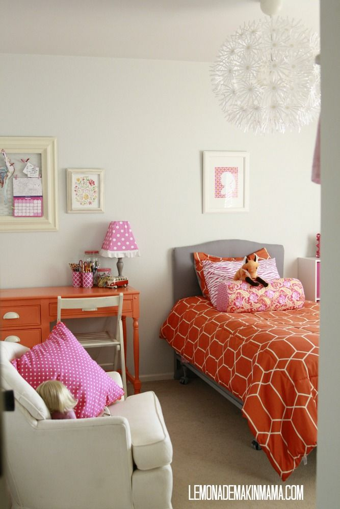 Lemonade Makin' Mama: Tweeny bopper room flip on a dime  .... Anna says she would like this look in her next bedroom!