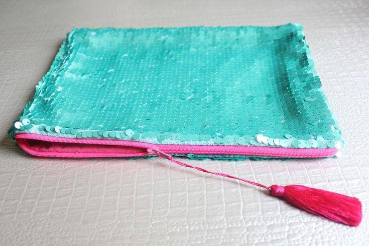 DIY: Cómo hacer un bolso de lentejuelas (sequin clutch) con cremallera ~ Sara's…