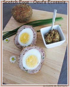 Une spécialité d'outre Manche. Il s'agit d'un oeuf dur enveloppé de chair à saucisse et le tout pané. Parfait avec une salade.  http://www.lacuisinedewattoote.fr/2015/05/scotch-eggs-oeufs-ecossais.html