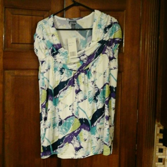 Unity Plus top Multi Color short sleeve  top. Never worn Unity Plus  Tops