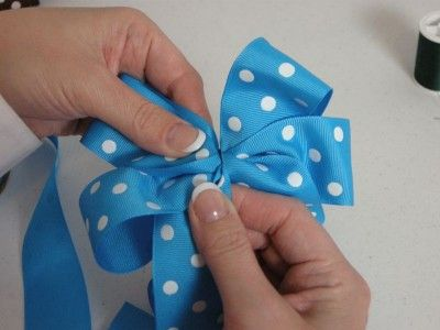 diy hair bows | Tug at your bow a bit until you have it arranged like you like ...