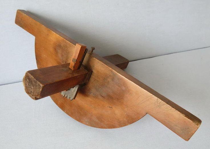ancien outil de tonnelier menuisier trusquin de tracage. Black Bedroom Furniture Sets. Home Design Ideas
