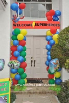 Superhero Birthday Entrance: Planning my son's Coolest 4th Superhero birthday party was So Much FUN. The decor was focused on his main superheroes: Spiderman, Silver Surfer, Batman,