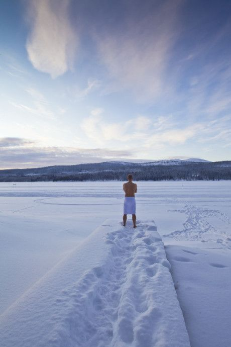After sauna ( in canada )   ............ #winter snow sky ice cold