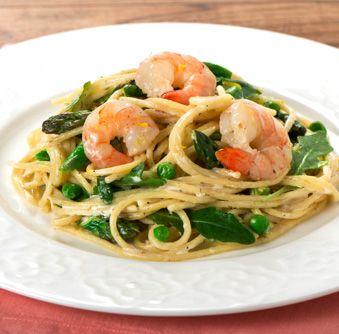 Essayez cette délicieuse recette de Spaghetti aux crevettes, à l'aneth et aux petits pois dès aujourd'hui !