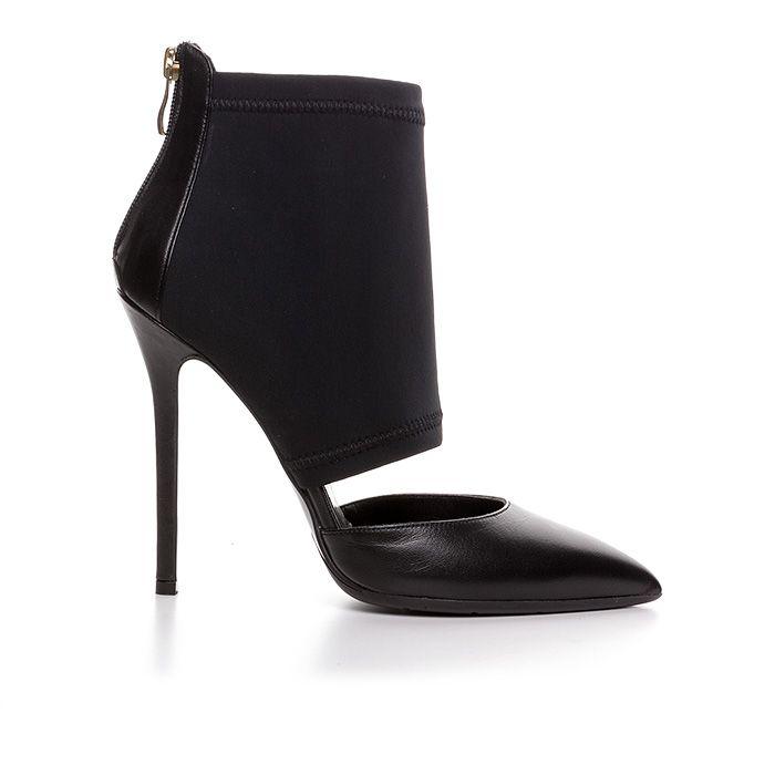 120409_BLACK LEATHER www.mourtzi.com #blackpumps #booties #lycra #blackoutfit #sexyshoes #pumps