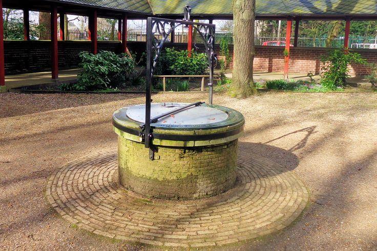 In de voorhof van de genadekapel bevindt zich een put met heilzaam water. In 1573, tijdens de Reformatie, werd de kapel verwoest en de put gedempt met puin van de kapel. In 1713, ten tijde van veepest, welde met kracht water op vanonder het puin. De geschiedenis leert dat de dieren die dronken van dit water, de veepest overleefden.