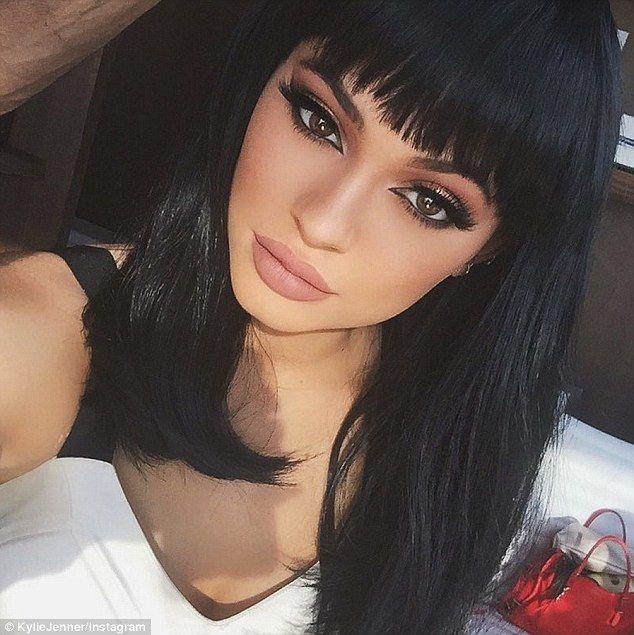 Kylie Jenner looks just like Kim Kardashian in new Instagram snap #dailymail