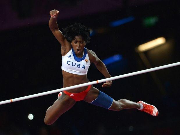 La cubana Yarisley Silva ganó la medalla de plata en la prueba de salto con pértiga de los Juegos Olímpicos.  Foto: AFP