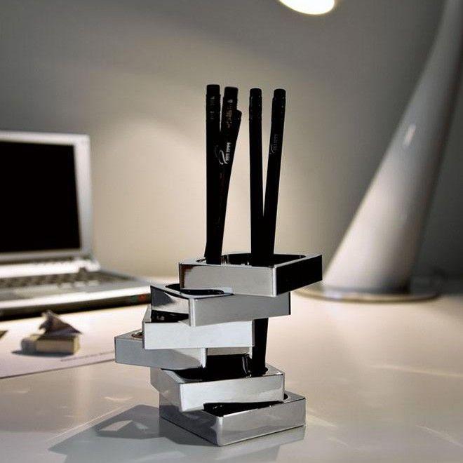 Μολυβοθήκη Zick Zack περιστρεφόμενη από υψηλής ποιότητας γυαλισμένο νικέλιο. Διαστάσεις: 6Χ6Χ9cm