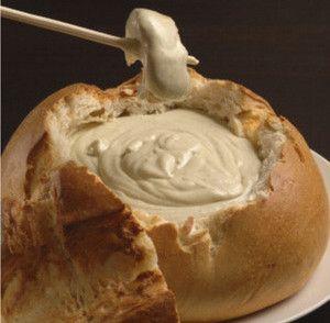 Pan Campesino Relleno de Salsa de Queso