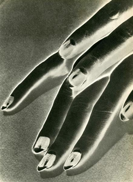 Man Ray - Study of Hands,1930 - negative solarization