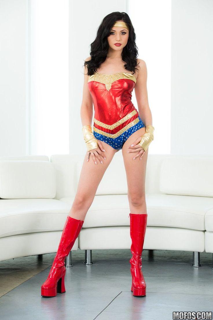 ariana marie cosplay