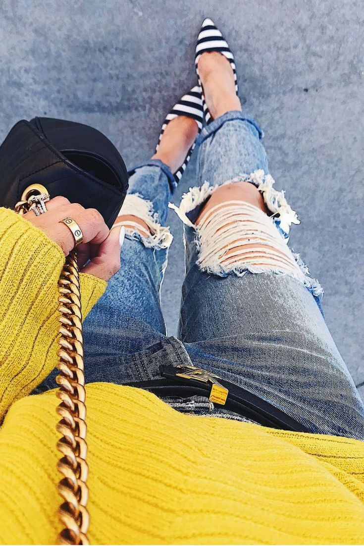 Boyfriend jeans & striped pumps..#ootd⭐️ My BF jeans are under $80 & these pumps are super comfortable... for a pump. Fashion Blogger, Fashion Outfit, Fall outfit, Winter Outfit, warm clothes, Fashion style, Emily Ann Gemma, The Sweetest Thing Blog, #emilyanngemma #thesweetestthingblog #fashionoutfit