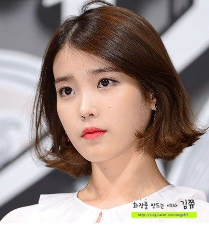 IU normally have strong eye makeup as main point~ Because this time I got short hair... So I picked a most favourite makeup look from IU to try+_+