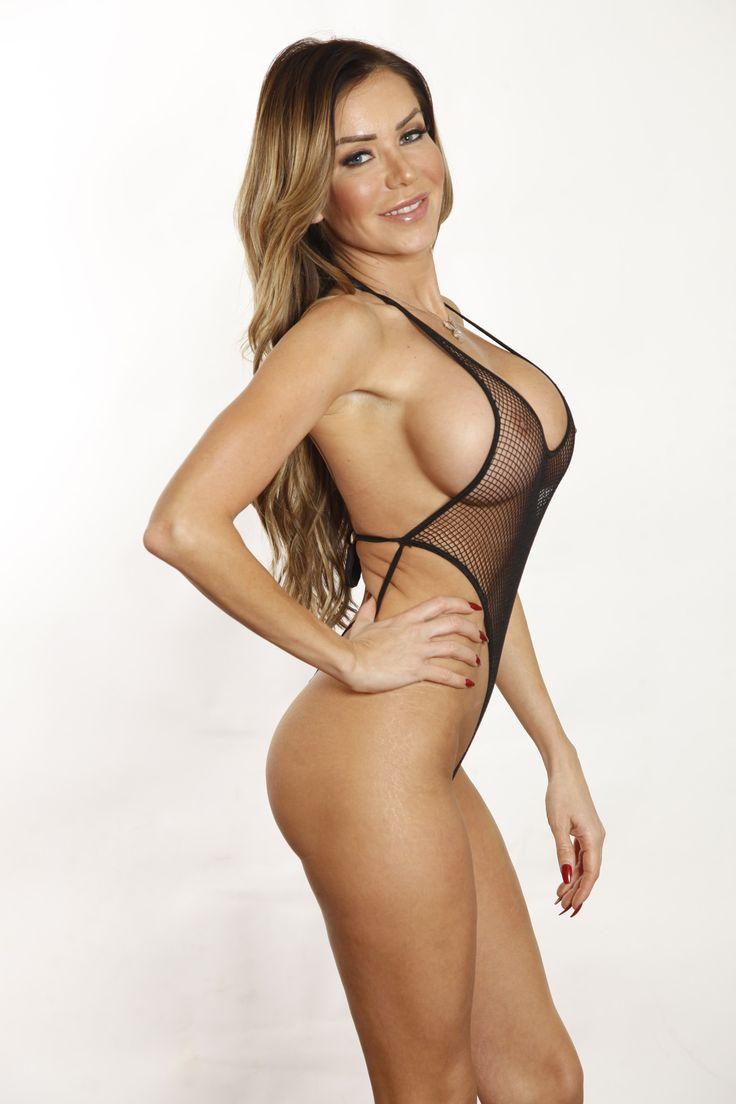 sexy brunette topless sex