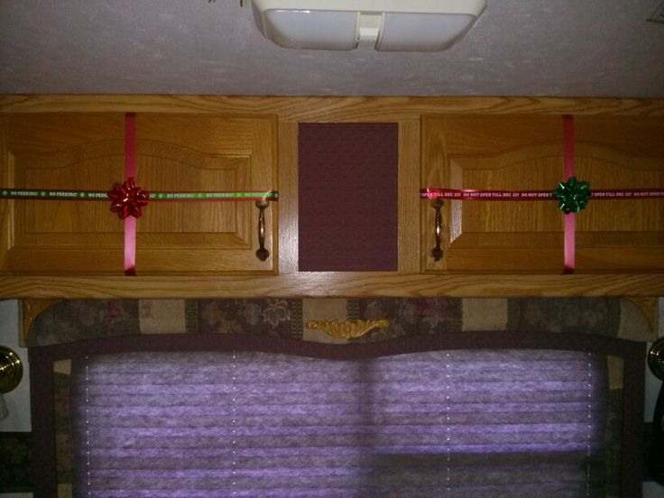 Christmas decoration in 5th wheel we are crazy Full time rv