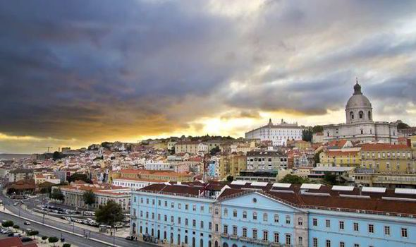 Top 10 things to do in Portugal - via Daily Express 12.03.2015 | From the turquoise waters of the Algarve to the white stone of historic Belem, Portugal offers a colourful tapestry of sights and sounds…