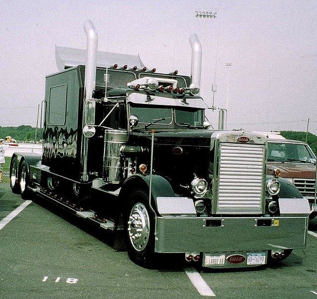 Black old school Peterbilt | Peterbuilt trucks | Pinterest