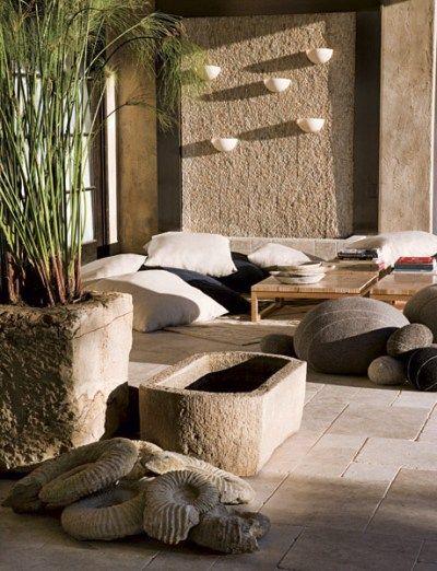 60 best spanish style exterior images on pinterest for Decoracion de piedras para jardin