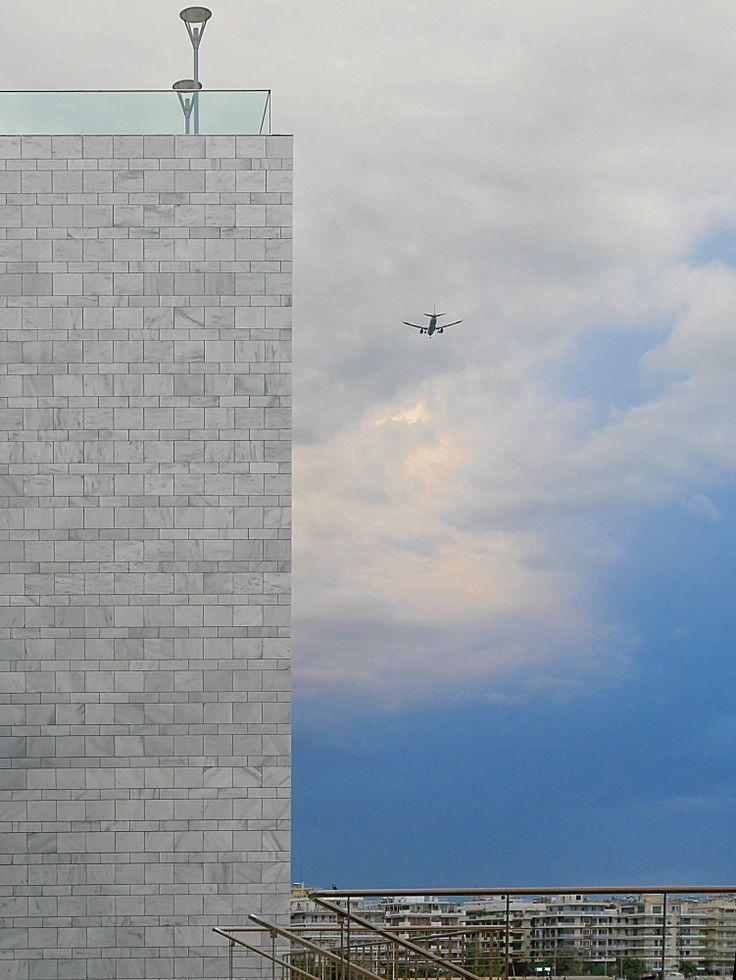 Το αεροπλάνο, το Μέγαρο και η Καλαμαριά (Μάιος 2017)