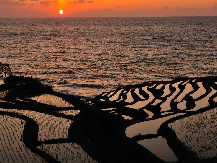 死ぬまでに一度は見るべき!「中部地方」の美しすぎる絶景8選 7枚目の画像 Hakumai Senmaida, Ishikawa, Japan