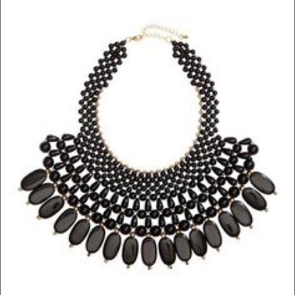H&M necklace Beautiful elegant black necklace H&M Jewelry Necklaces