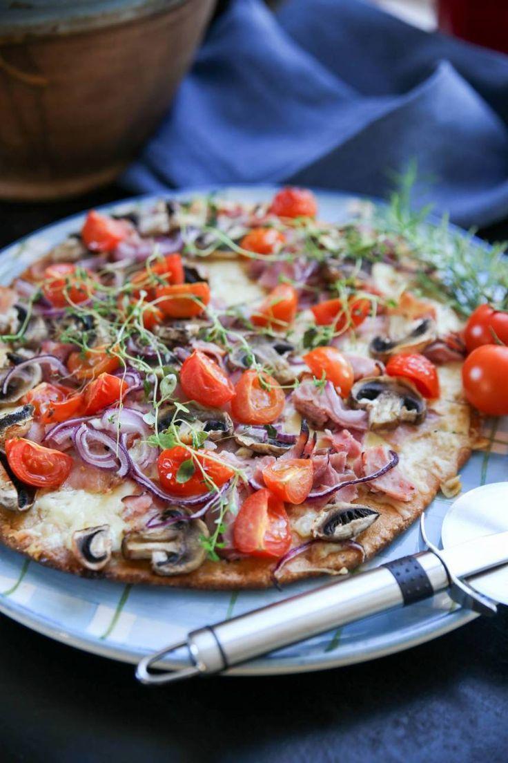 glutenfri pizza på 3 dl mandelmjöl och 3 ägg