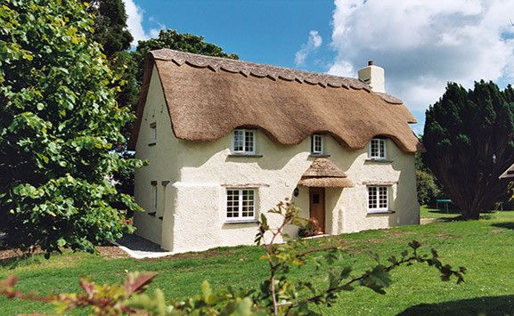 Who wouldn't love to stay in this cute cottage in the England countryside?