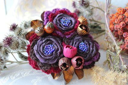 """Брошь """"Ночная красавица"""" в стиле бохо — работа дня на Ярмарке Мастеров. Узнать цену и купить: www.cjkywt-fkbz.livemaster.ru Fabric boho brooch #handmade #craft #brooch #jewelry #boho #colorful"""
