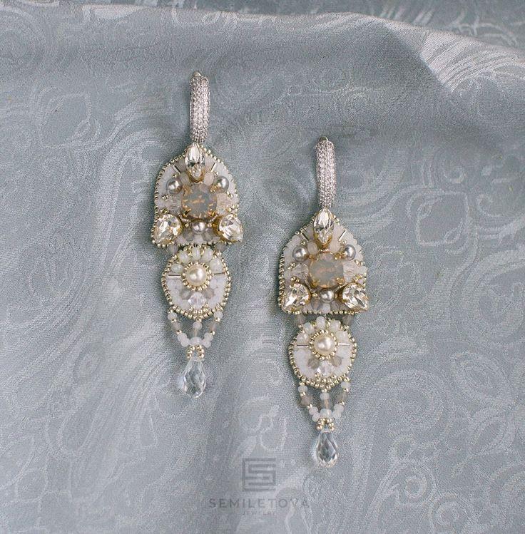 Wedding earrings with pearls and crystals Swarovski.SEMILETOVA jewelry