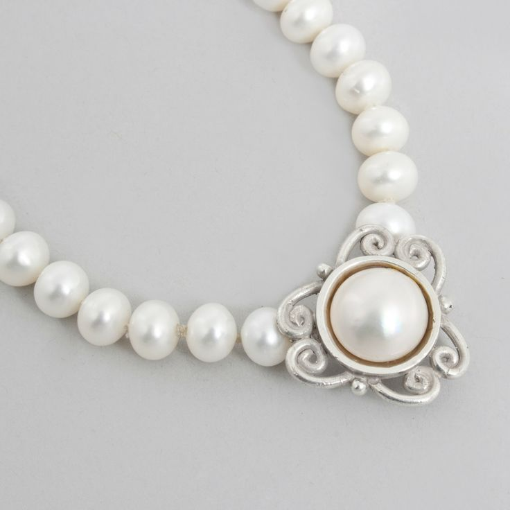 Pearl necklace by Breanne Avender (Calgary, AB). Member of the Alberta Craft Council