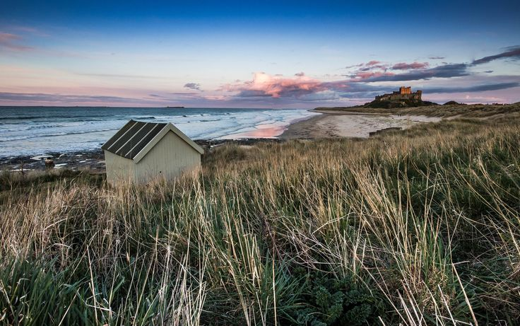 https://flic.kr/p/Gv6BT2 | Huts & Castles. | Taken at Bamburgh, Northumberland on 28/03/2016.