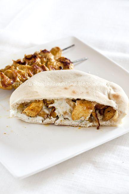 Kebab di pollo con salsa di yogurt greco tutto homemade - Trattoria da Martina - cucina tradizionale, regionale ed etnica