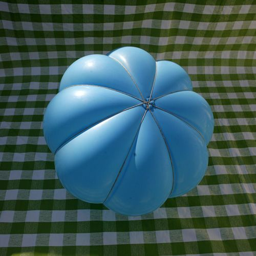 Papier Mâché pumpkin... Pre-shape the balloon with string before you begin covering with paper. Full instructions included.