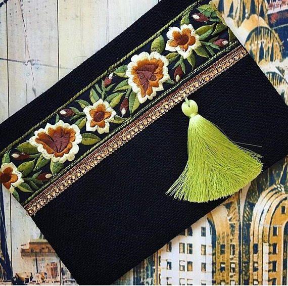 Articles similaires à Noir pochette de soirée, sac de femmes, cadeau pour elle, sac à essential d'embrayage, embrayage de mode, cadeau de Noël sur Etsy