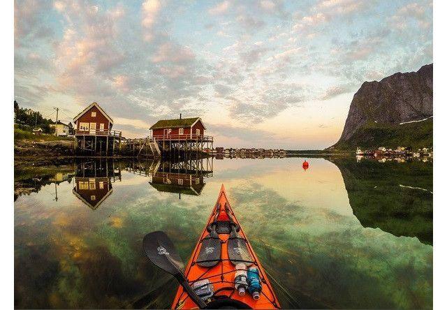 ノルウェーの魅力を語る際に、絶対に欠かすことができないのが『フィヨルド』。なお、フィヨルドとはノルウェー語で『入り江』という意味で、氷河に侵食された谷の下流部が、海水に覆われたものになるのですが、そんなフィヨルドに魅了され、ノルウェーに移り住んだ写真家が撮影した…自然が創りだす絶景!これが本当に素晴
