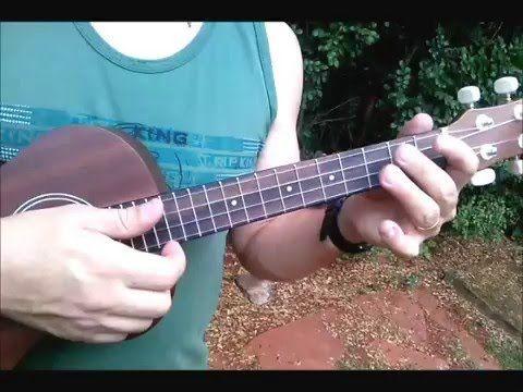 Curso Ukelele fácil, principiantes: http://bit.ly/UkeleleChachi Utilizamos 3 acordes super fáciles de ukelele para tocar 10 canciones: The Beatles, Guns N Ro...