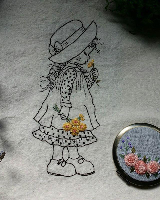 요즘 이케 귀여운 소녀들 수놓는 재미에 빠져듬... #cute girl with illustration  embroidery  #Illustration embroidery  #일러스트자수
