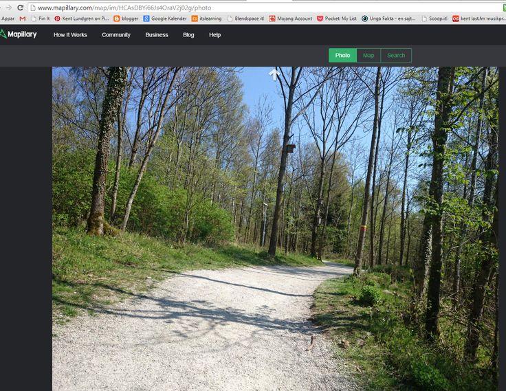 #Mapillary http://www.mapillary.com/how.html Se t ex #Skrylle: http://www.mapillary.com/map/im/HCAsDBYi66Js4OraV2j02g/photo  #kultjänst Se även Skåneleden blir digital: http://www.sydsvenskan.se/skane/skaneleden-blir-digital/ (där Mapillary nämns i kommentarsfältet).