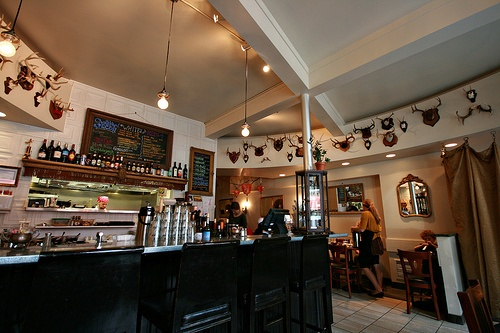 Blackbird Cafe 3800 Nicollet Ave.  Minneapolis, MN 55409 | This small cafe has great food and the atmosphere is super cozy and cool. Great place for lunch or evening! Service is fab too!